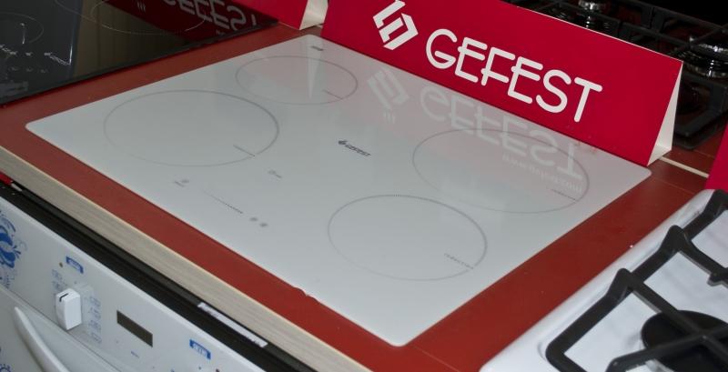 Индукционная варочная панель GEFEST 4232 К12 вид сбоку